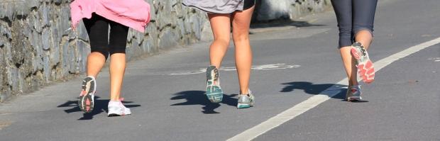 Mumbles Promenade - the feet have it!